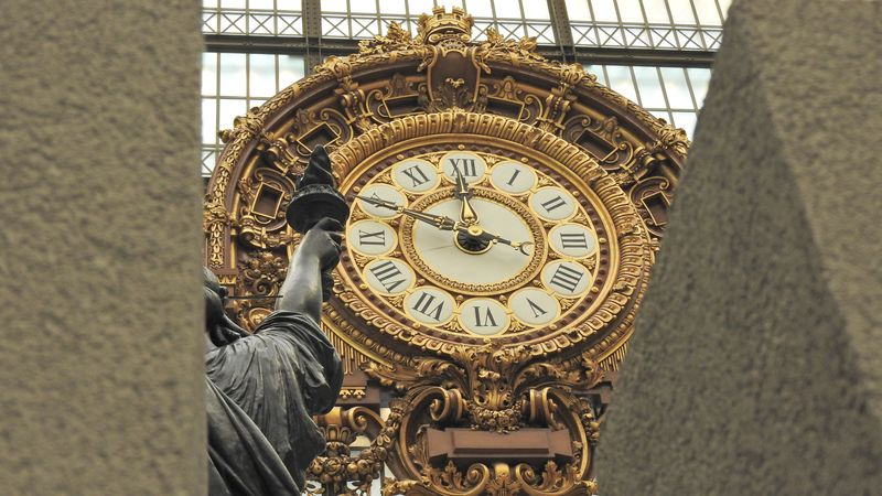 clock in orsay museum