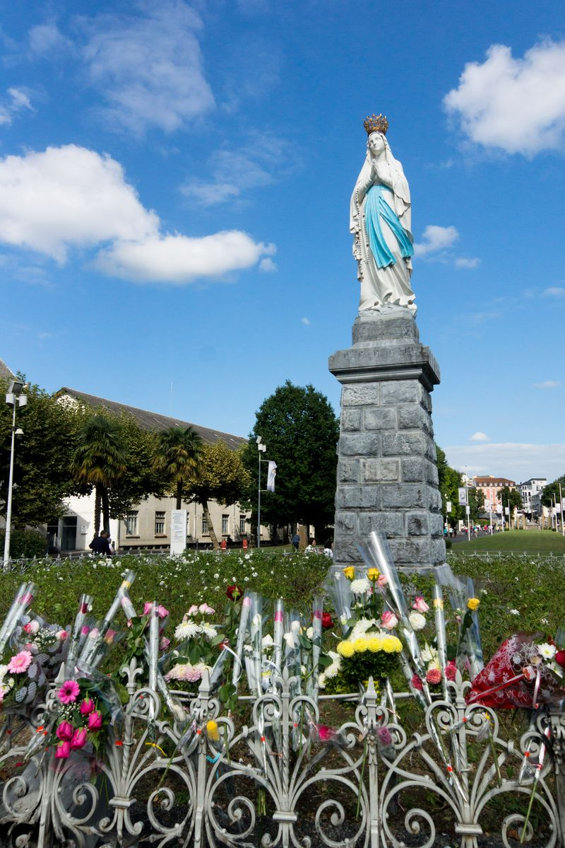 Lourdes Sacred and religious guided tour