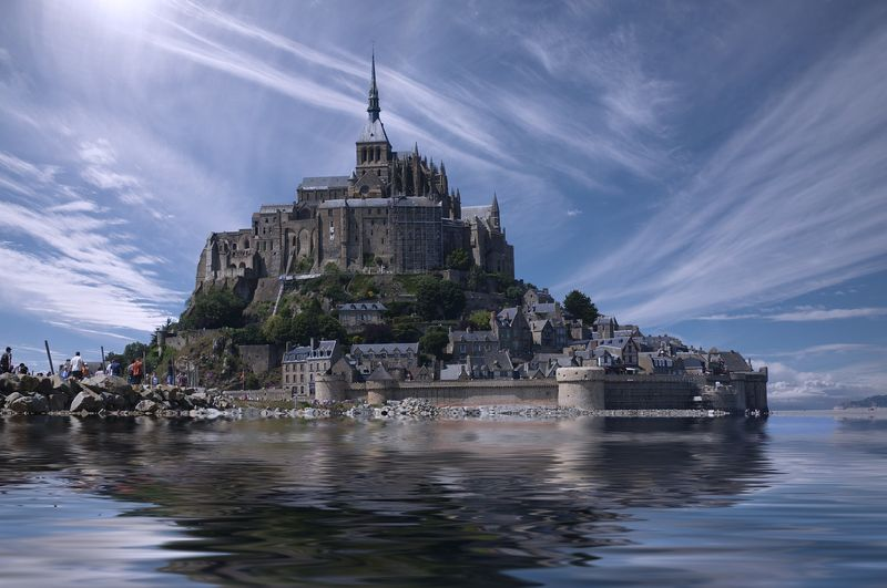 mont saint michel france with universal tour guide