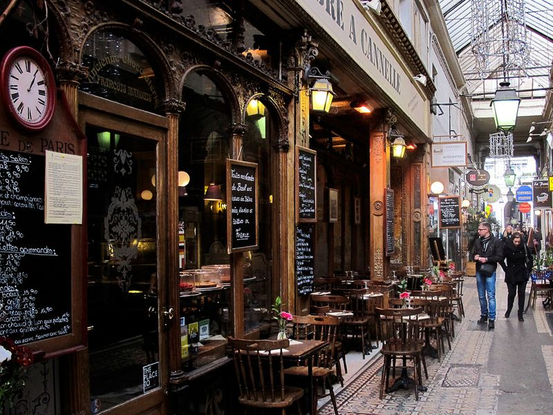 Paris off the beaten track - Passage des Panoramas
