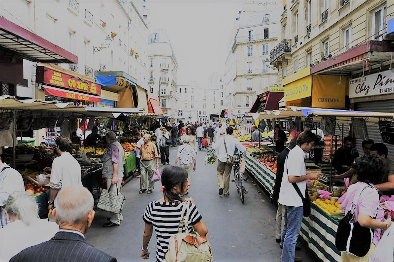 Paris off the beaten track - aligre flea market