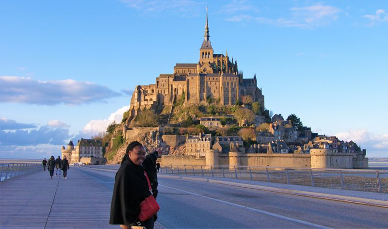 mont st michel one day getaway from paris universal tour guide. Black Bedroom Furniture Sets. Home Design Ideas