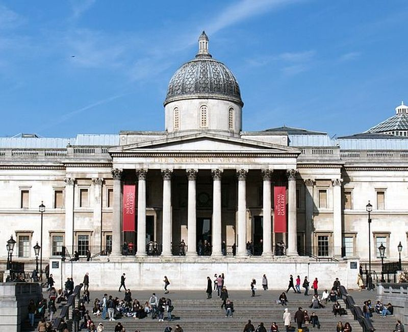 entrance of the national gallery london