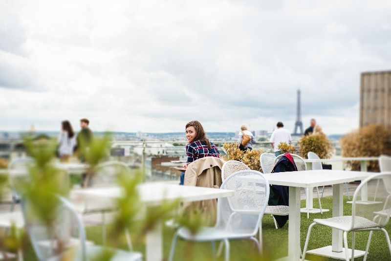 rooftop paris bars tour with universal tour guide