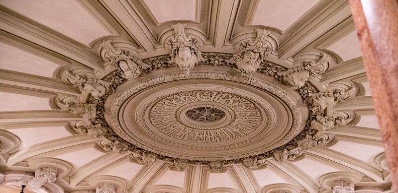 decor inside paris opera house