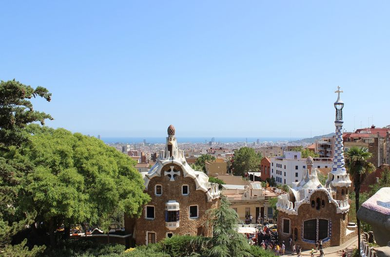 discover the architecture of park guell barcelona