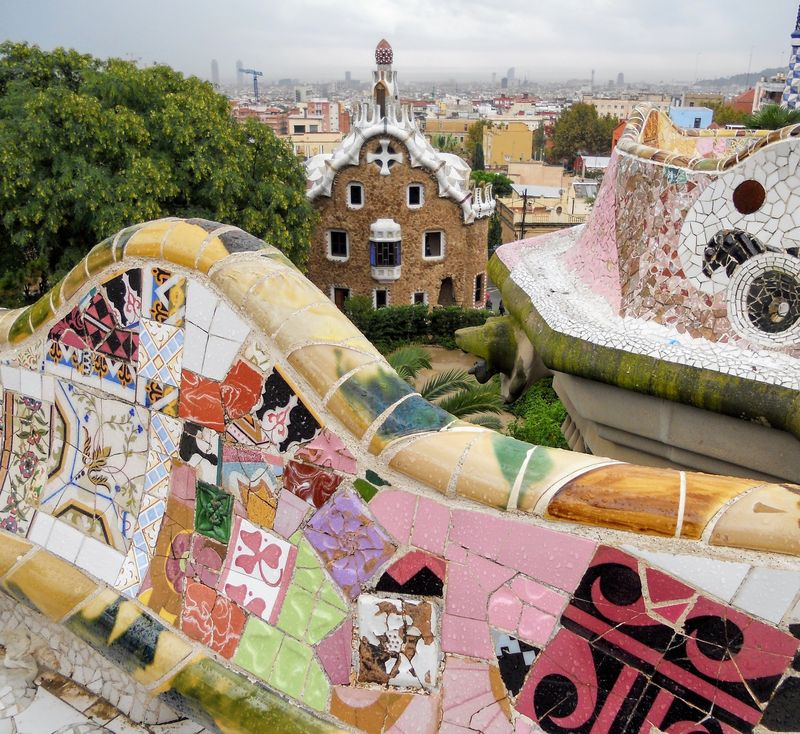 park guell barcelona guided tour with universal tour guide