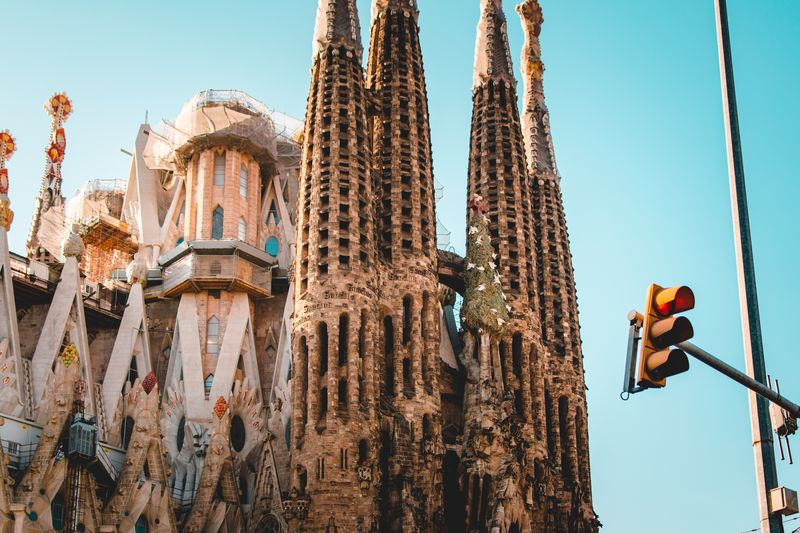 sagrada familia barcelona guided tour