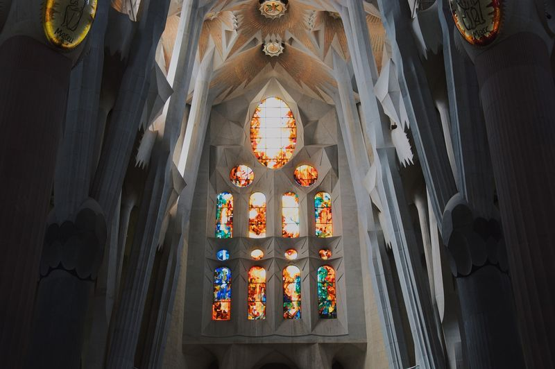 sagrada familia barcelona inside guided tour
