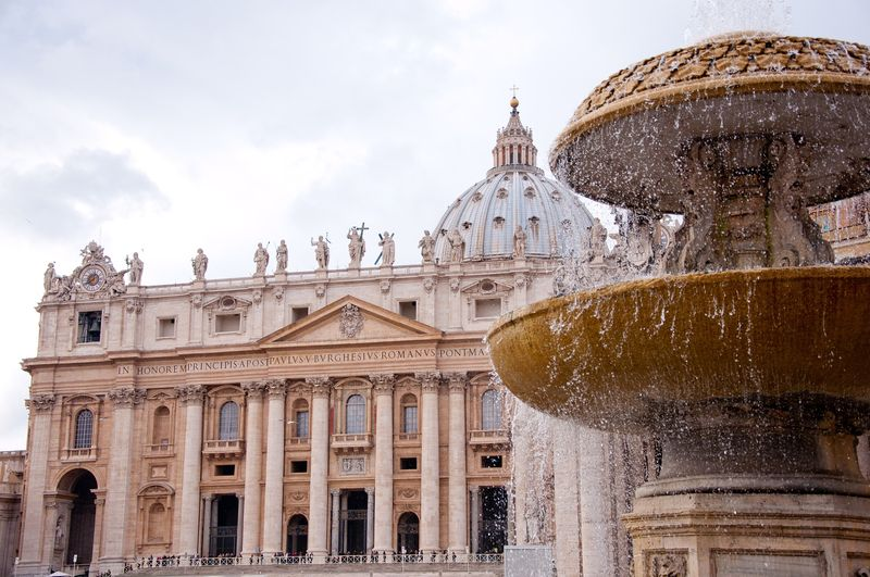 discover st peter's basilica and vatican museums with universal tour guide