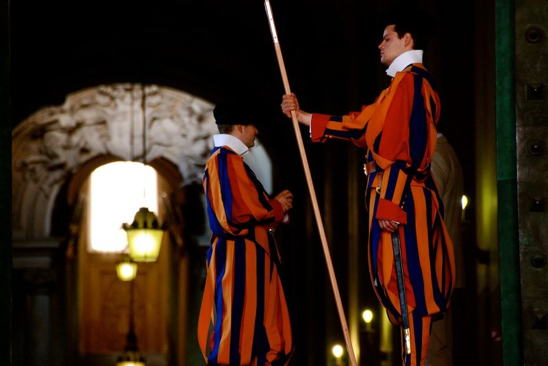 meet vatican guards with our vatican highlights tour