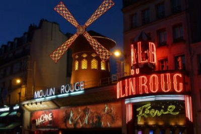 moulin rouge en paris montmartre