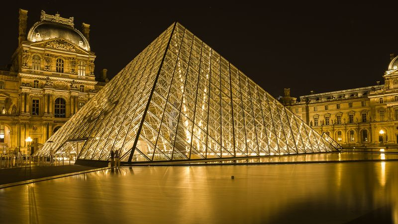 discover mysteries with the louvre museum da vinci code tour
