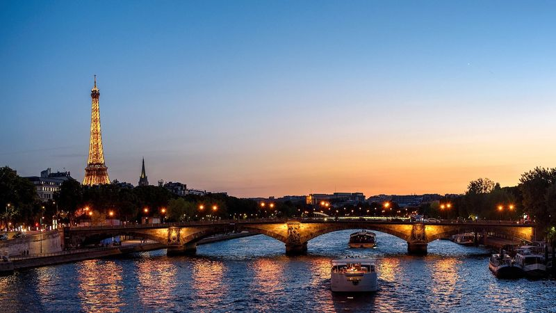 seine river paris cruise at night