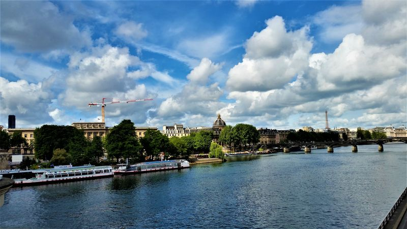 seine river paris cruise and attractions map