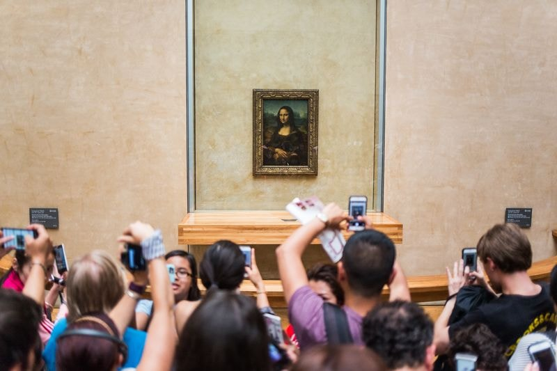 see the mona lisa on our visit paris in one day tour