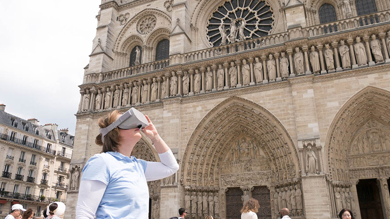 notre dame de paris in virtual reality